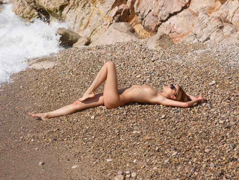 Iveta b in pebbles by luca helios