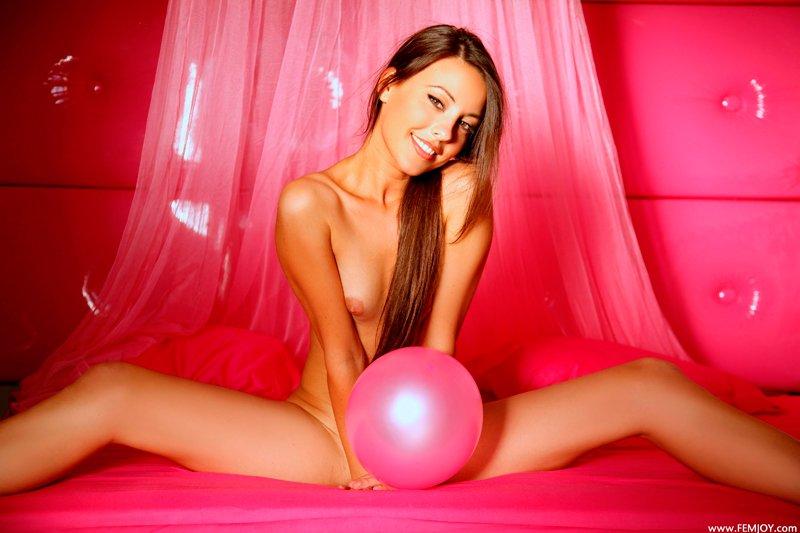 Фото девушки с воздушными шарами