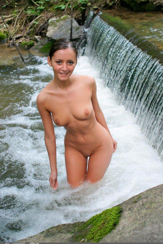 Секс фото девушки на природе секс фото