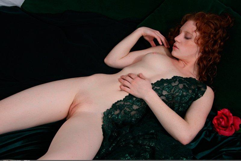 Эротические фото рыжей красавицы