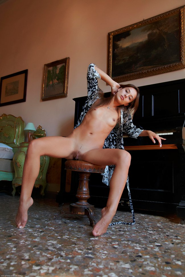 Русские девушки за пианино порно
