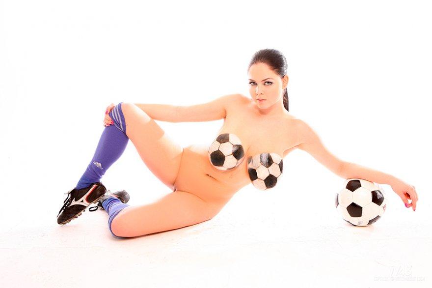 Галерея порно - сексапильная футболистка