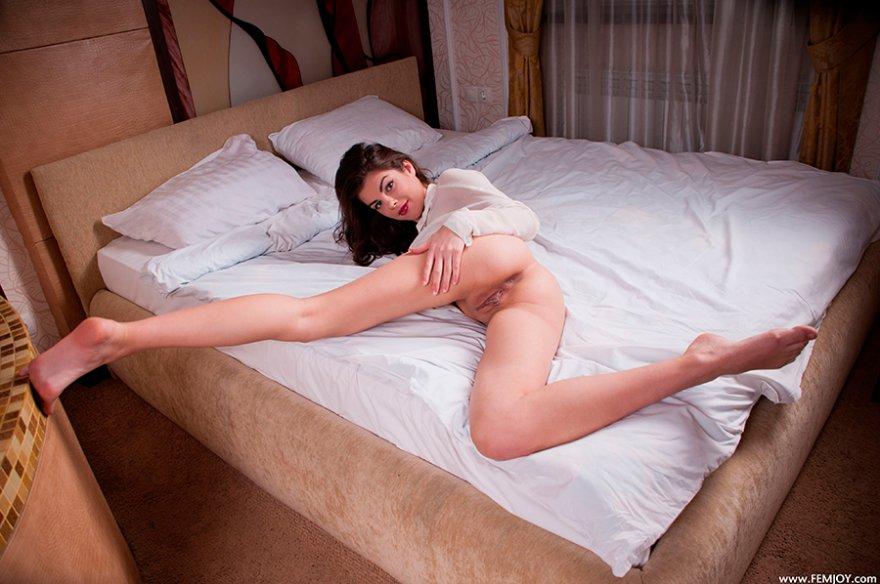Эротические фотки девушек в белой рубпшке фото 695-110