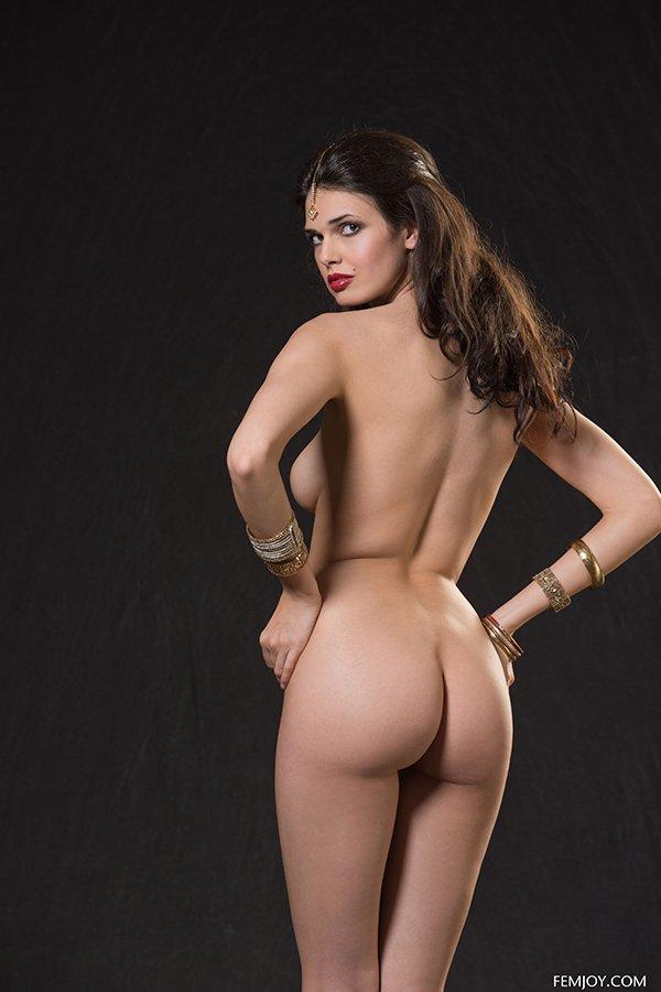 Индианки есть фото девушек голых онлайн
