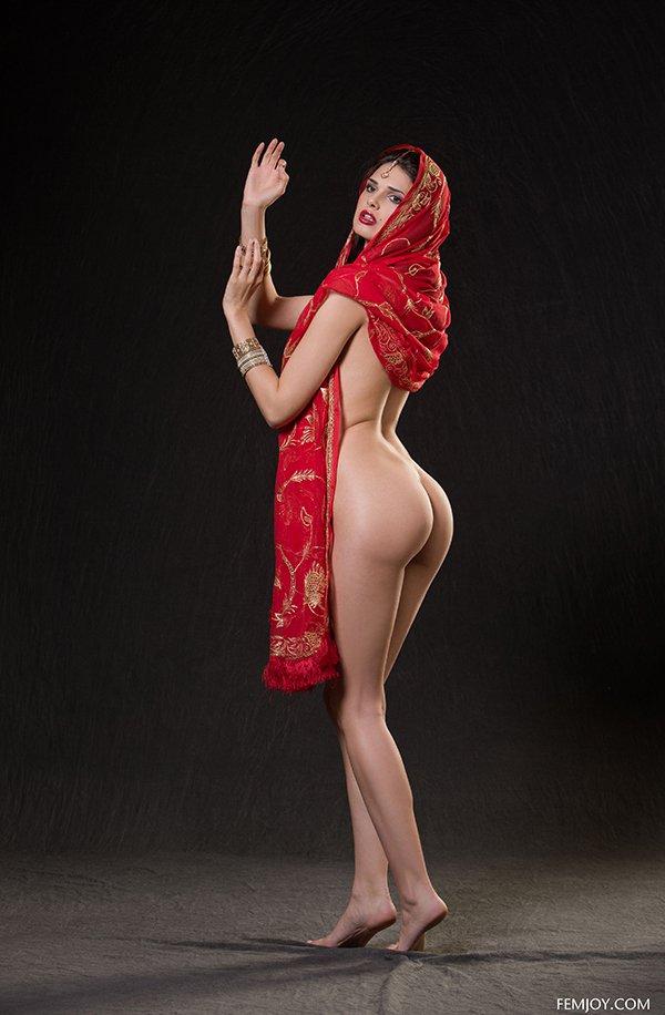 samiy-eroticheskiy-tanets