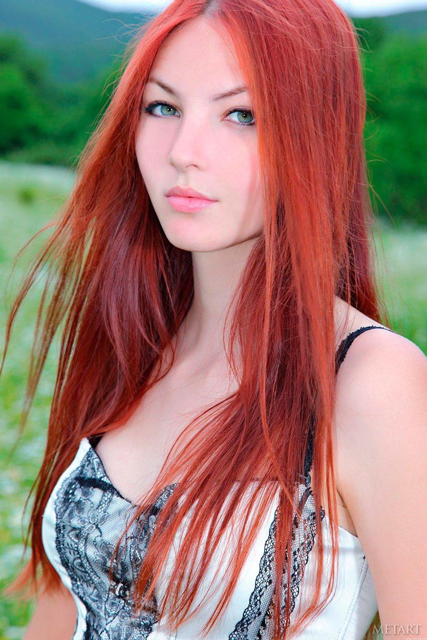 Рыжая красавица в порно 17 фотография