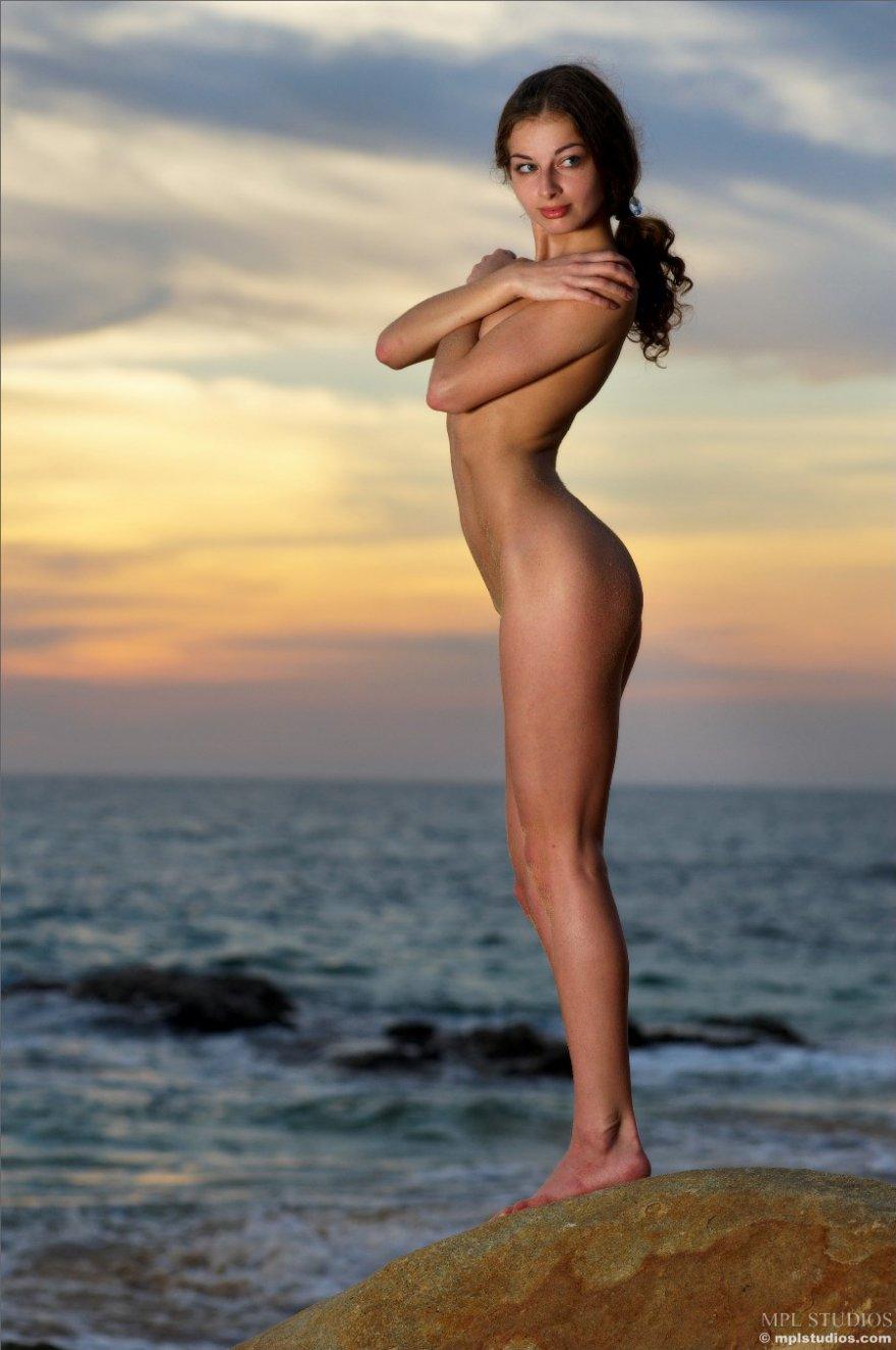 Красивая фото эротика у моря фото 135-185