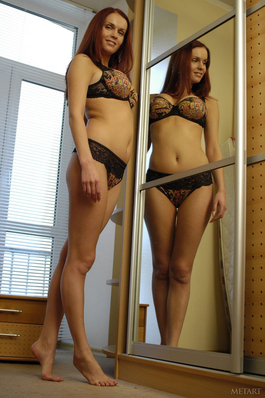 Сисястые перед зеркалом 23 фотография