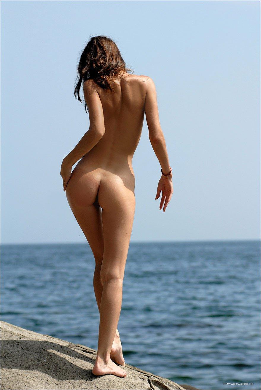 Смотреть фото худенькие попки 6 фотография