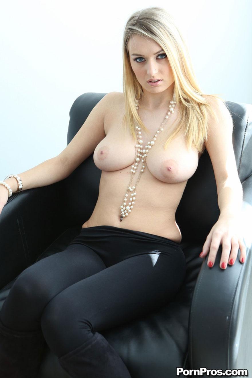 Страстная женщина зрелая порно 19 фотография