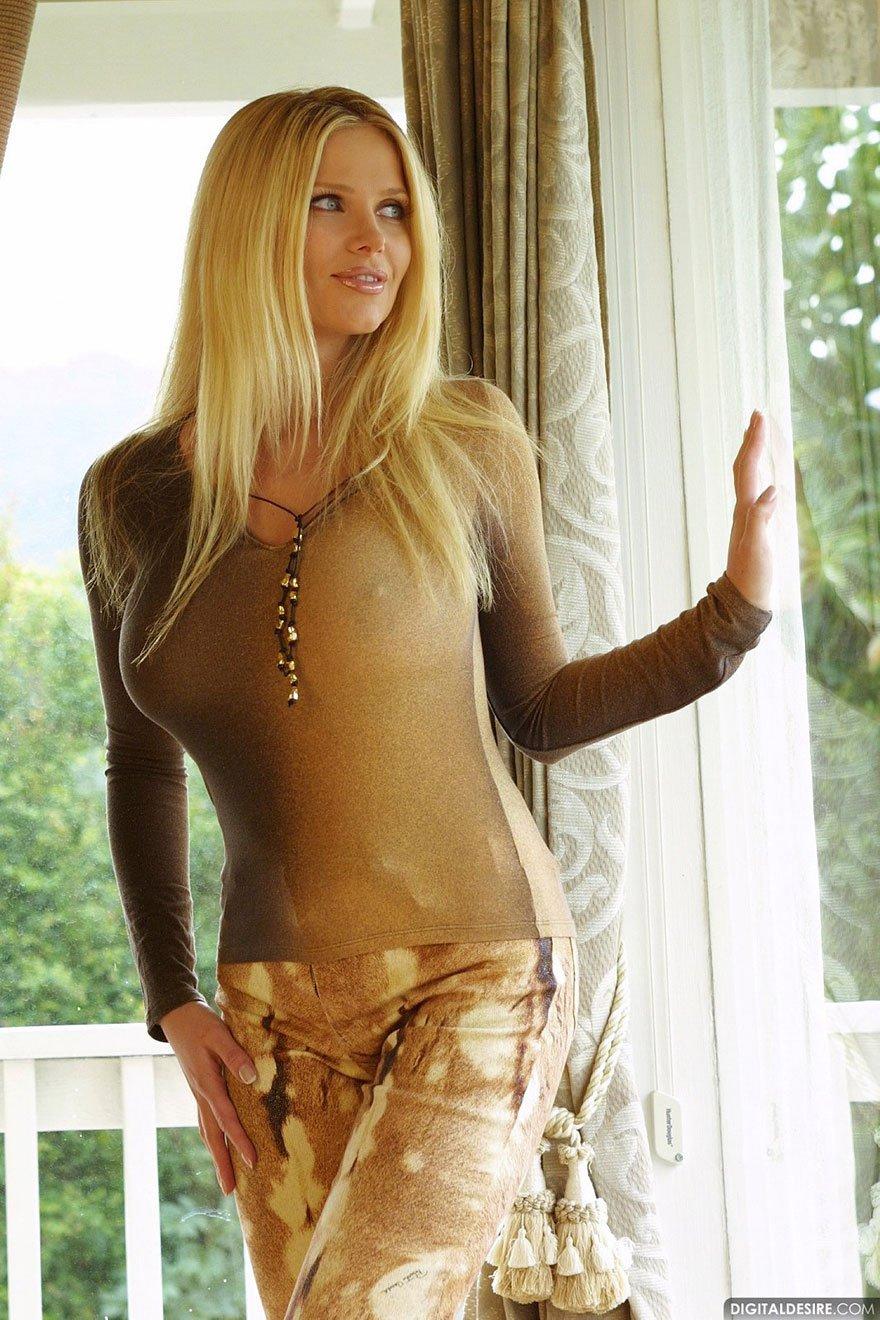 Фото секси блондинки