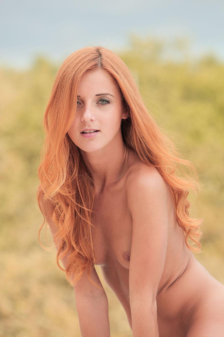 порно девушка с розовыми волосами