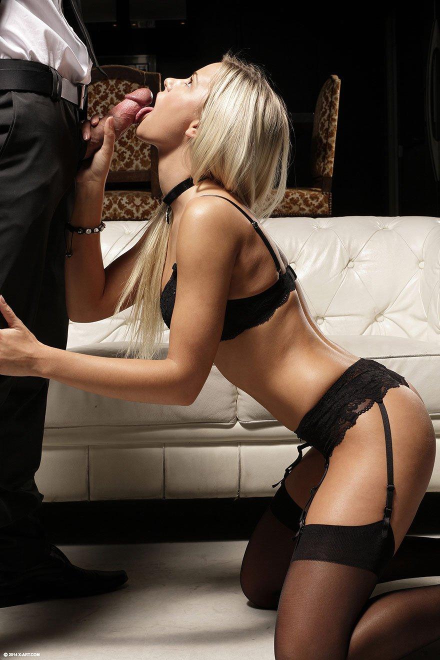 Секс фото русской блондиночки в сексуальном белье