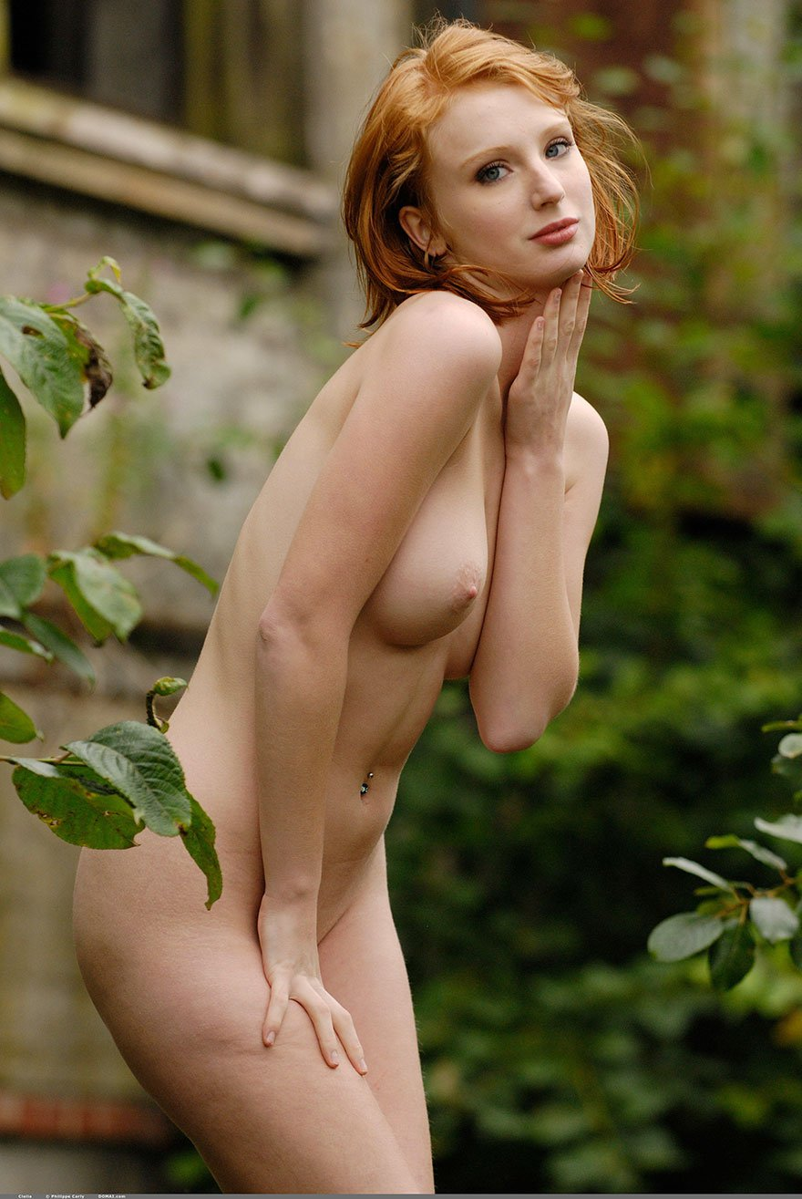 Chesty Redheaded Beauty In The Nude