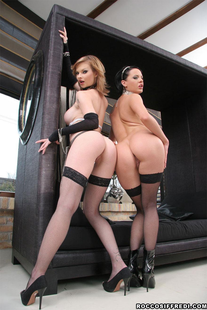 Две модели порно