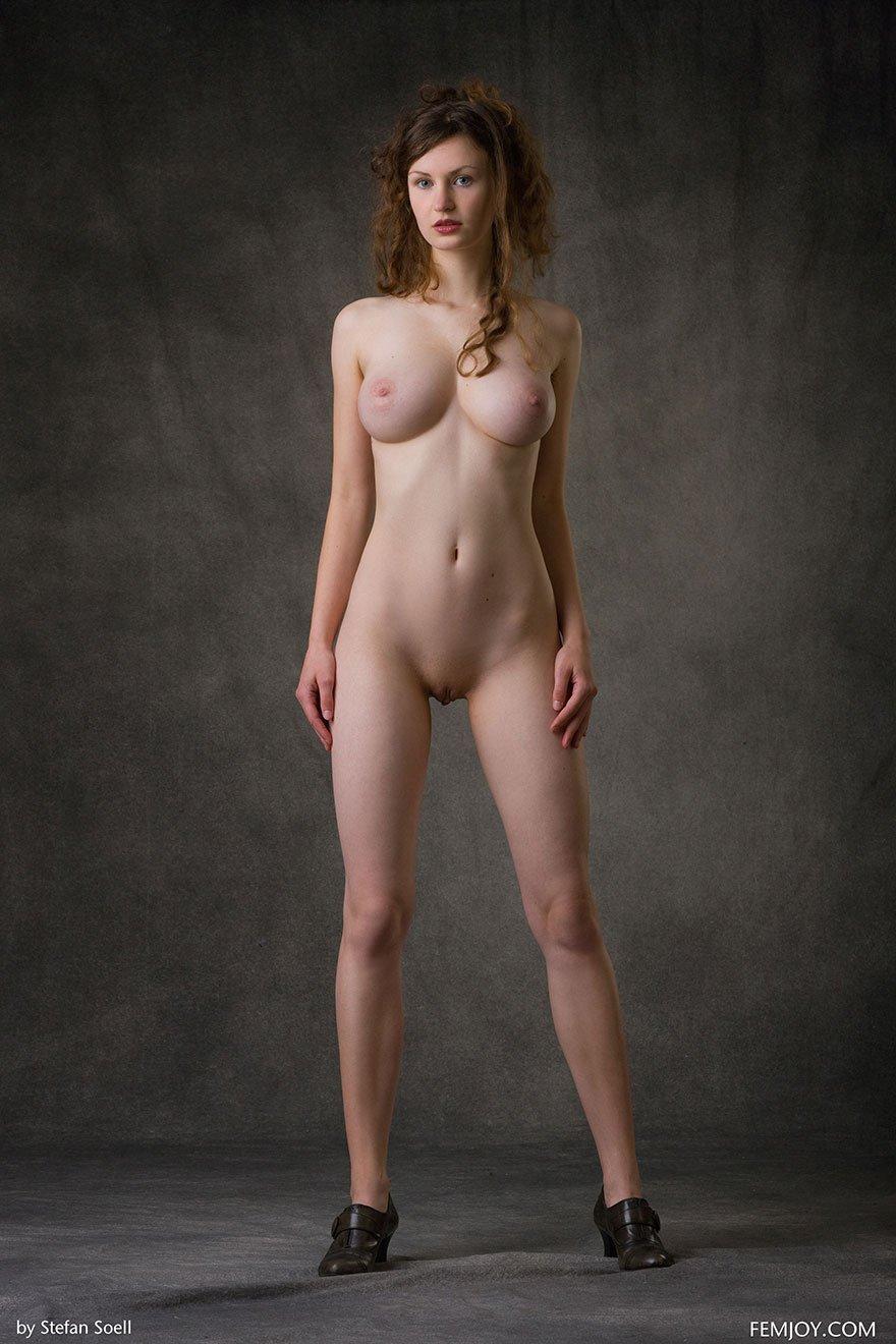 Девушка с тонкой талией ебется