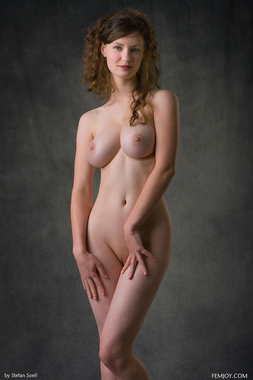 devushki-s-tonkoy-taliey-porno