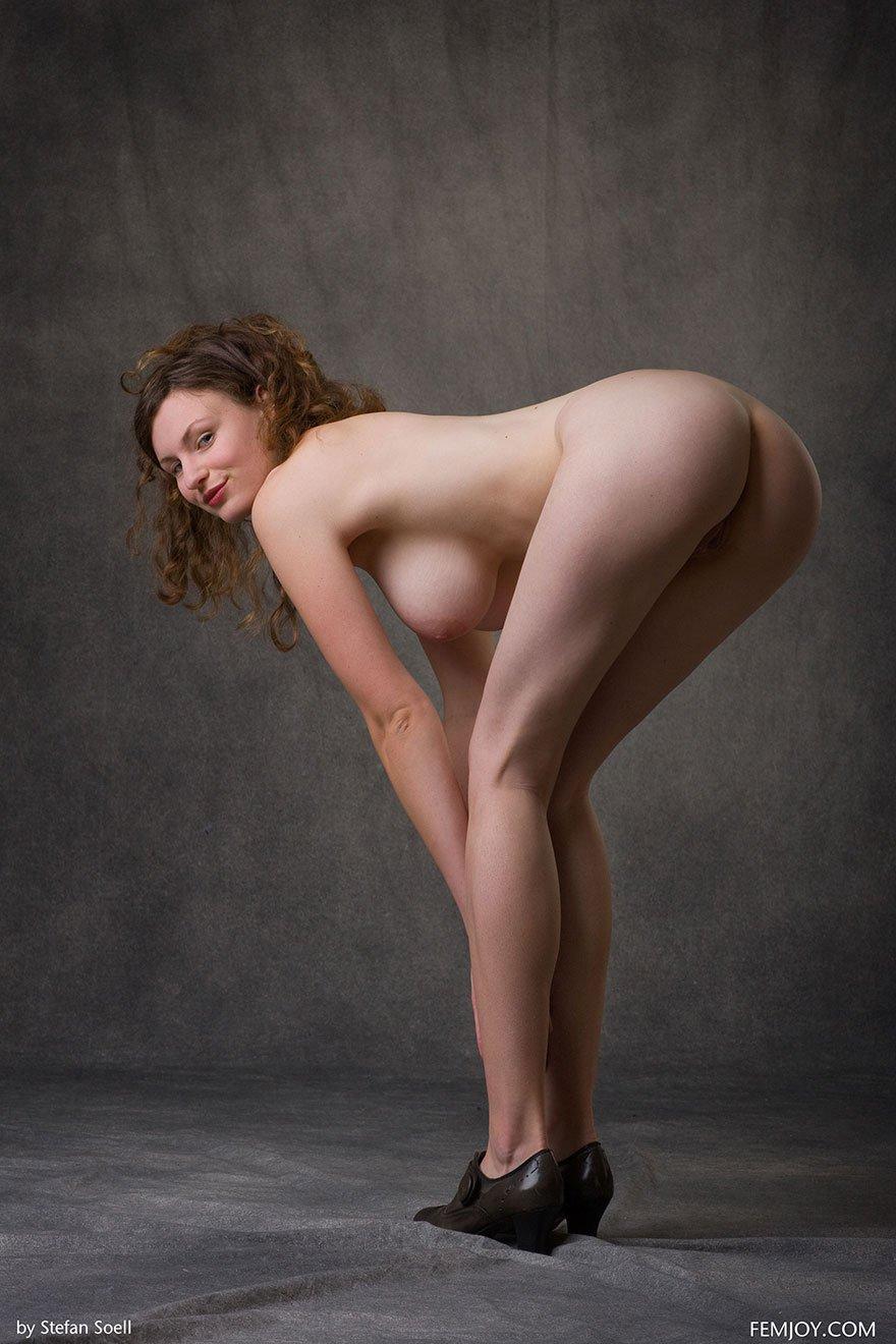 голые красивые девушки с высокой грудью и тонкой талией фото