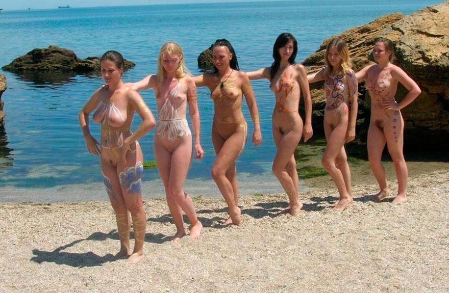 Много голых девушек  частные фото