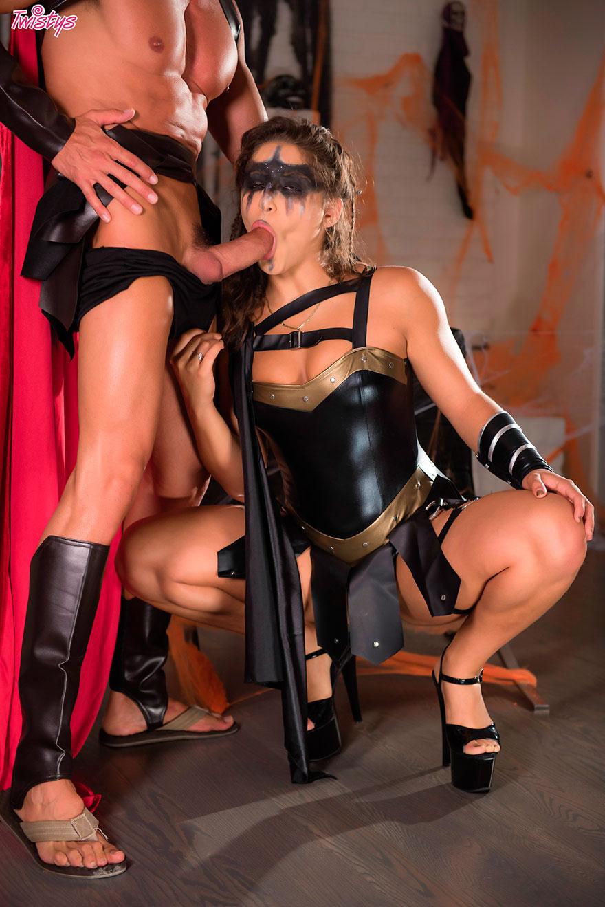 Секс в самом эротическом костюме видео