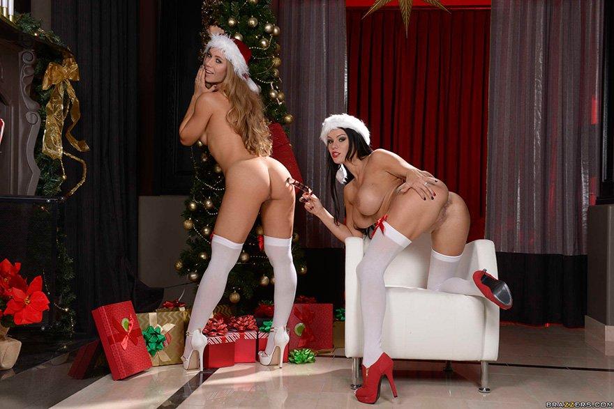 2е супер-сексуальные крошки под елочкой - новогодние фото