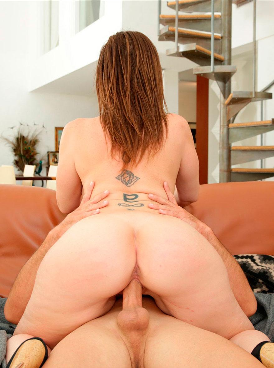 порно онлайн зрелая женщина с небольшим животиком