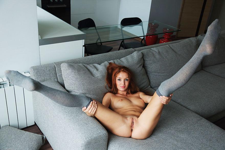 Сексапильная порнушка знаменитой рыженькой порно-модели