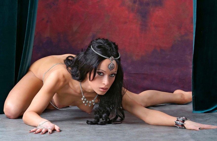Фото женщин востока порно хотел