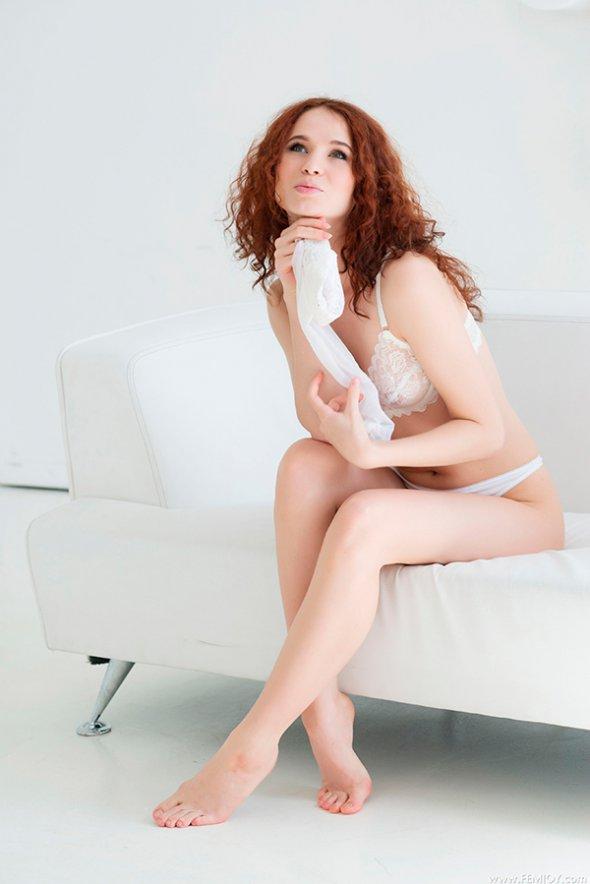 откровенные фото девушек белом нижнем белье фото секретарш в нижнем белом белье