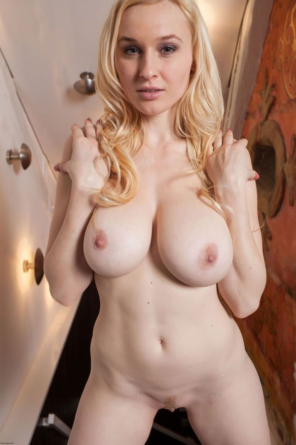 Hairy pussy pics redheads