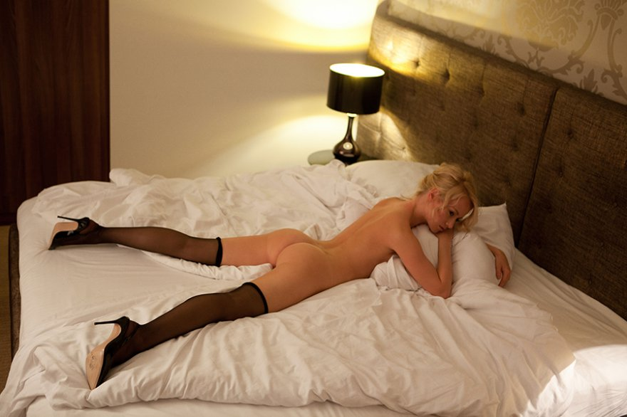 mom-desi-hotelbed-nude-streaming-free-best