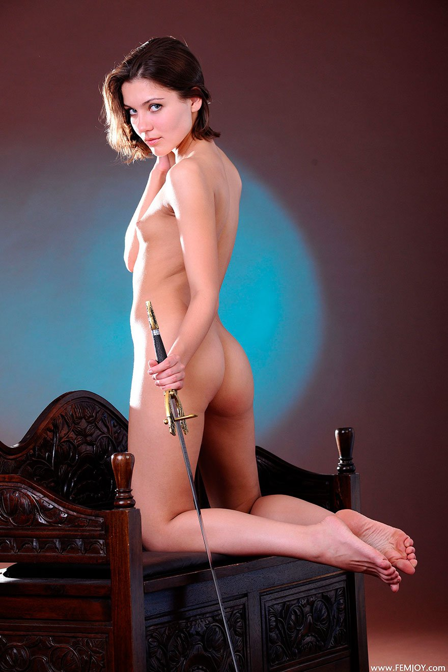 голая женщина в боди эро фото