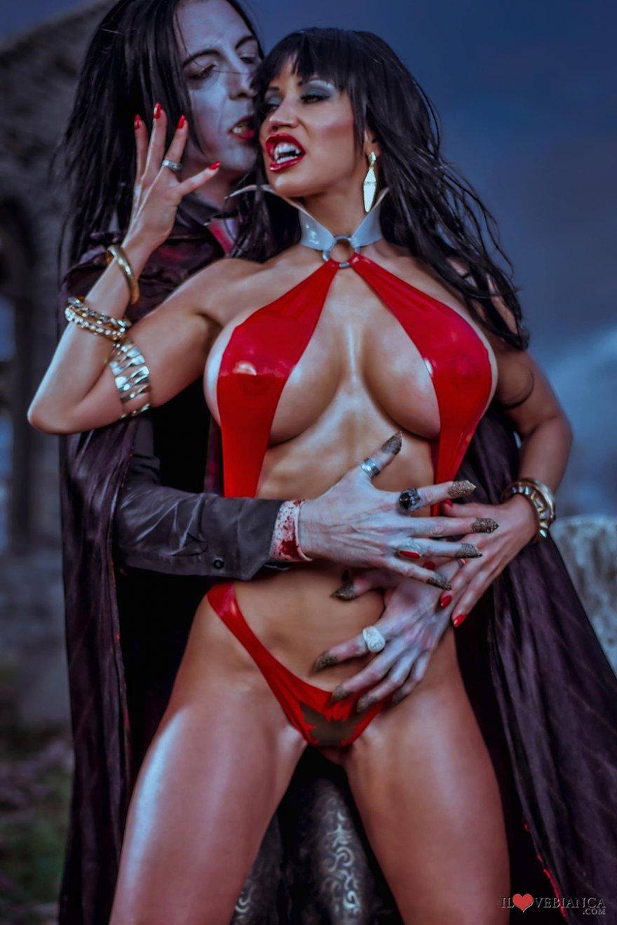Секси вампирши эро