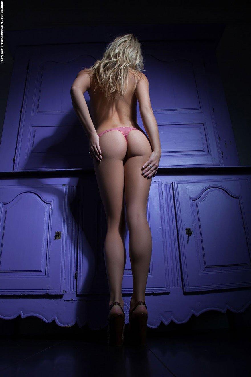 Классная блондиночка в корсете