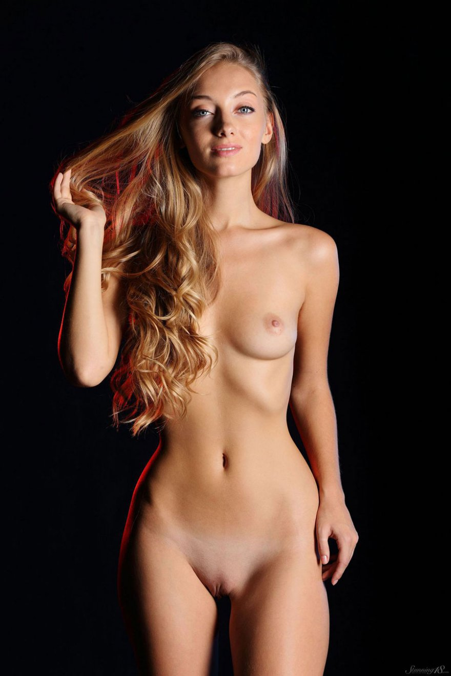 Эротические фото в студии фото 30-674