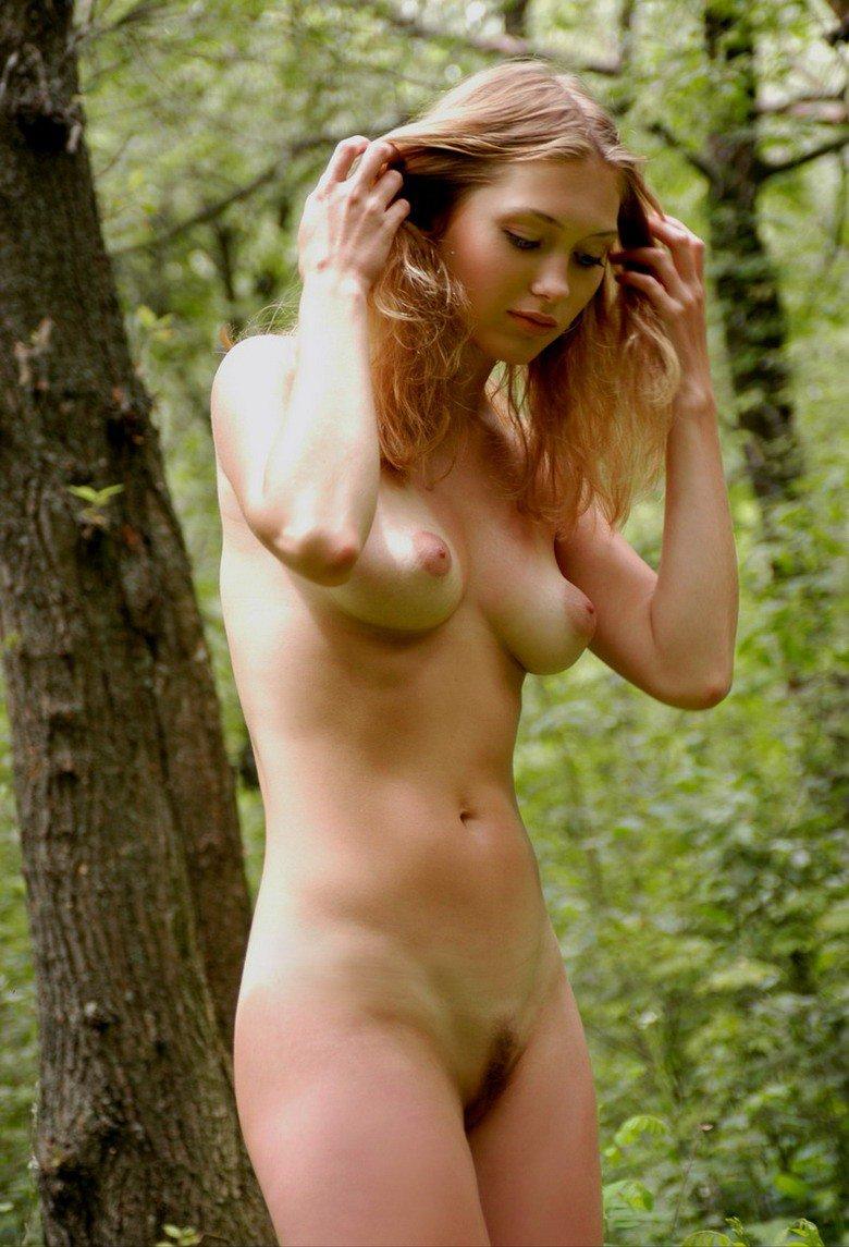 Naked amateur natural girls australia