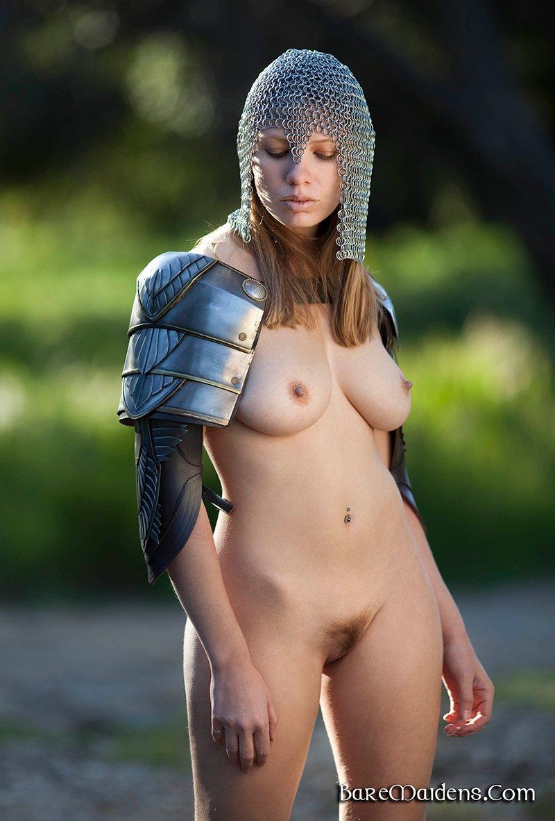 porno-devushki-v-dospehah-foto-chem-vivesti-spermu