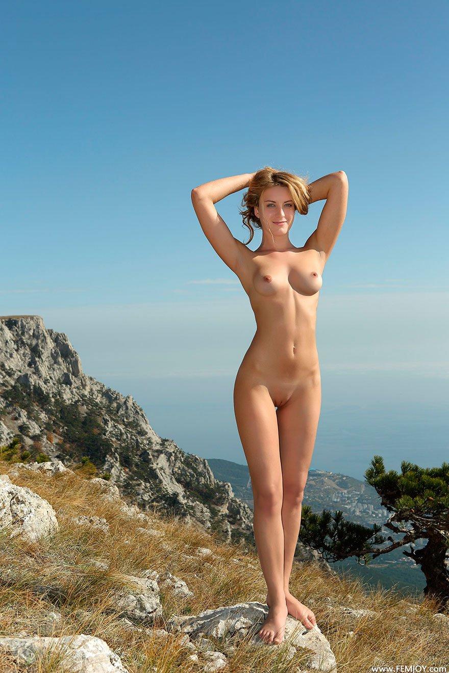 Порно в горах на скалах