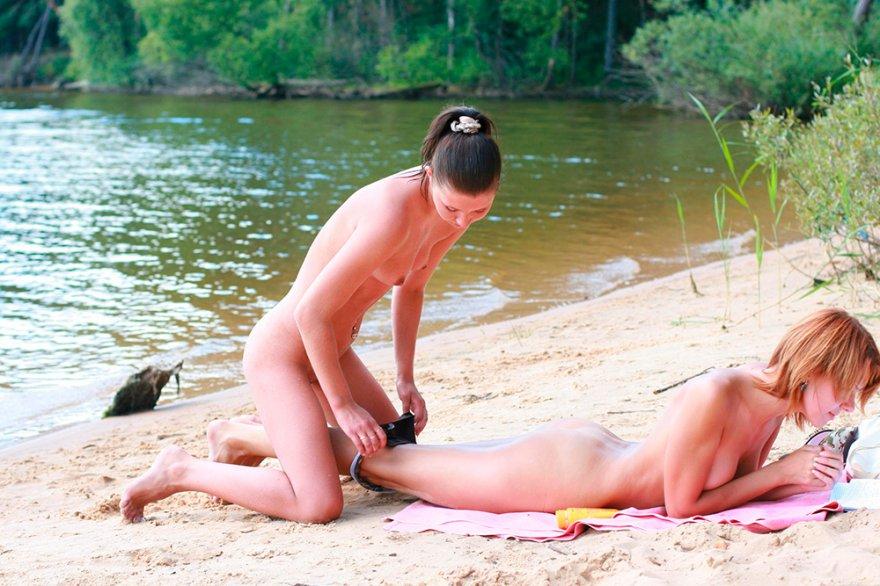 Тёлки у моря секс фото