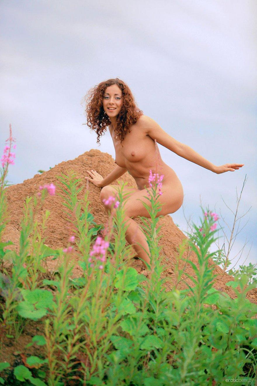 Рыжая кудрява порно 18 фотография