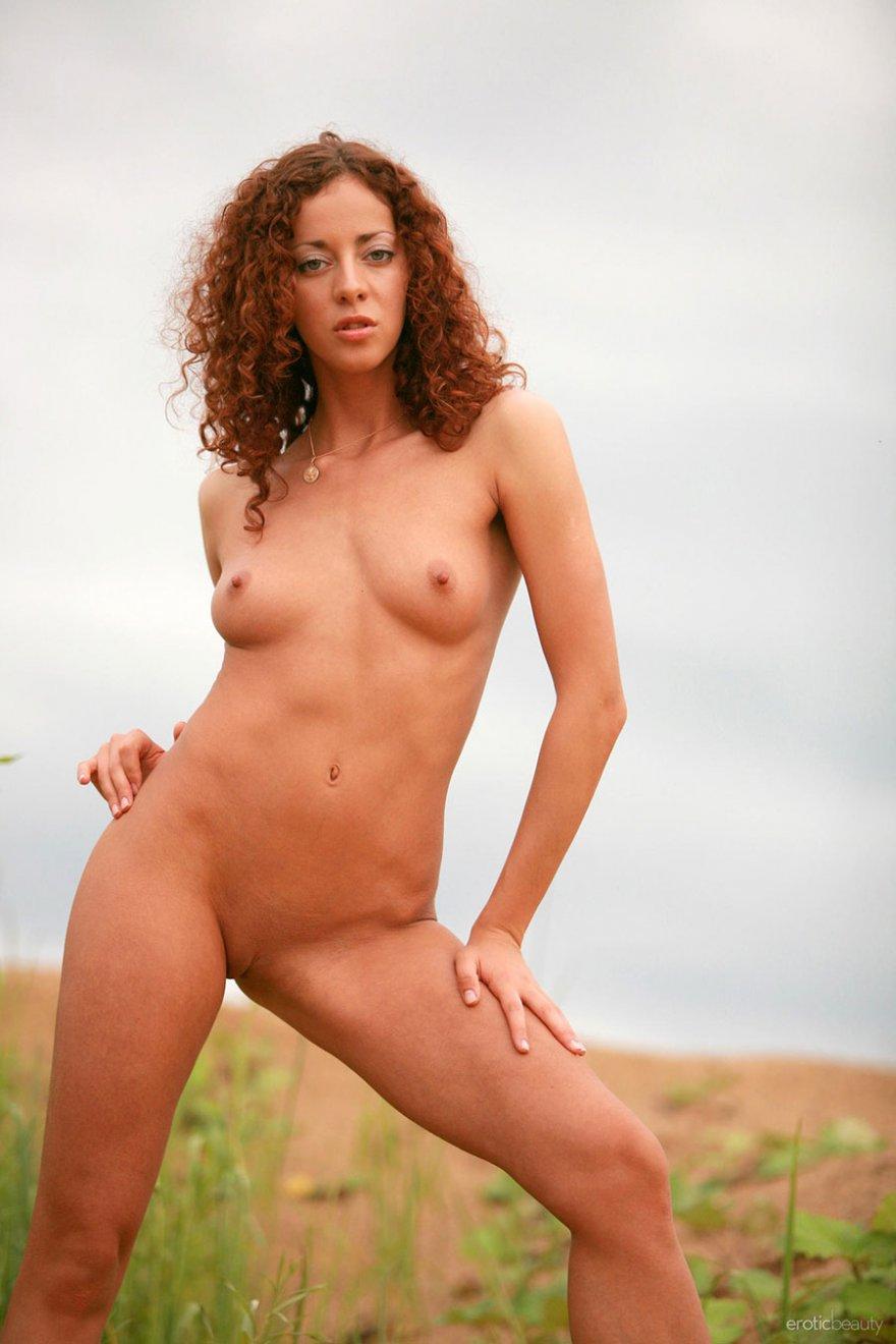 Эротика голые девочки рыжая кудрявая 25 фотография