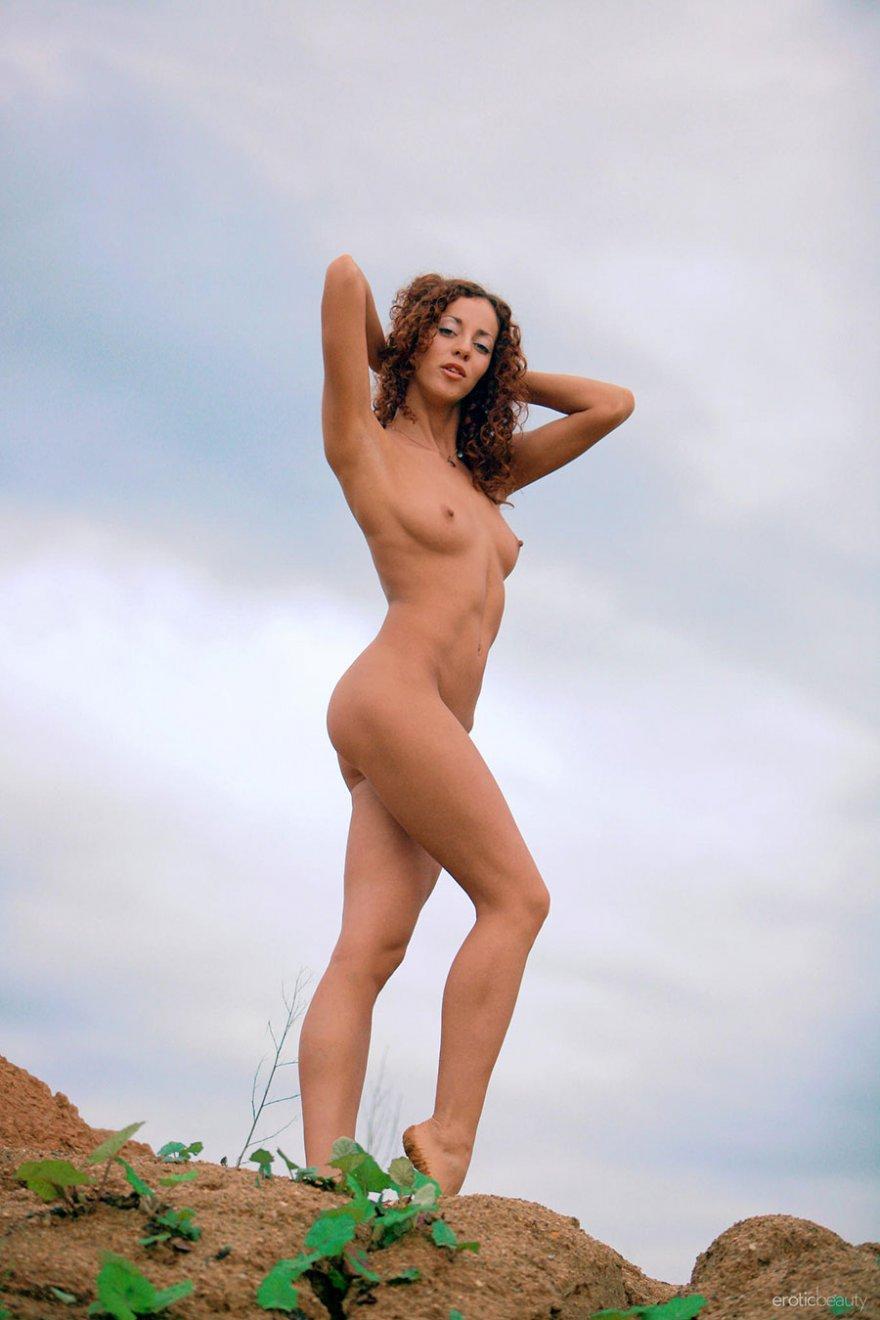 Рыжая кудрява порно 9 фотография