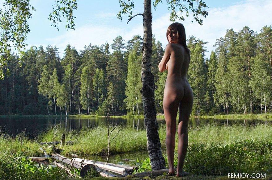 Порно ролик на берег лесного озера