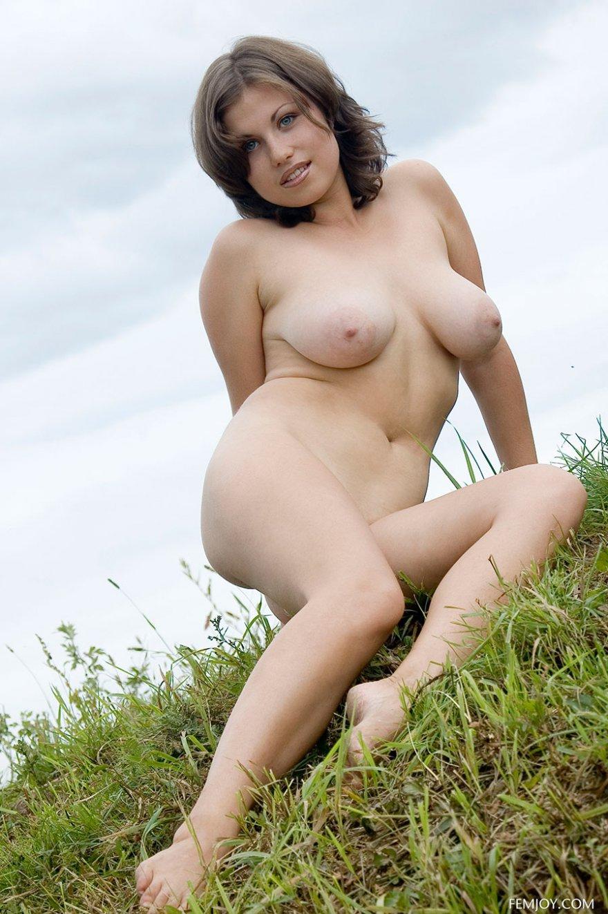 Фото девушки сбольшой грудью 17 фотография