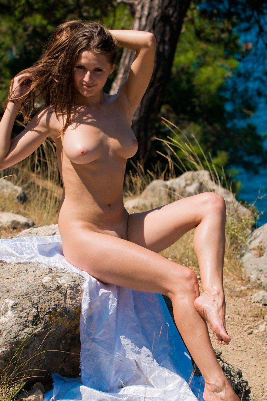 Симпатичные секс фото смуглой барышни