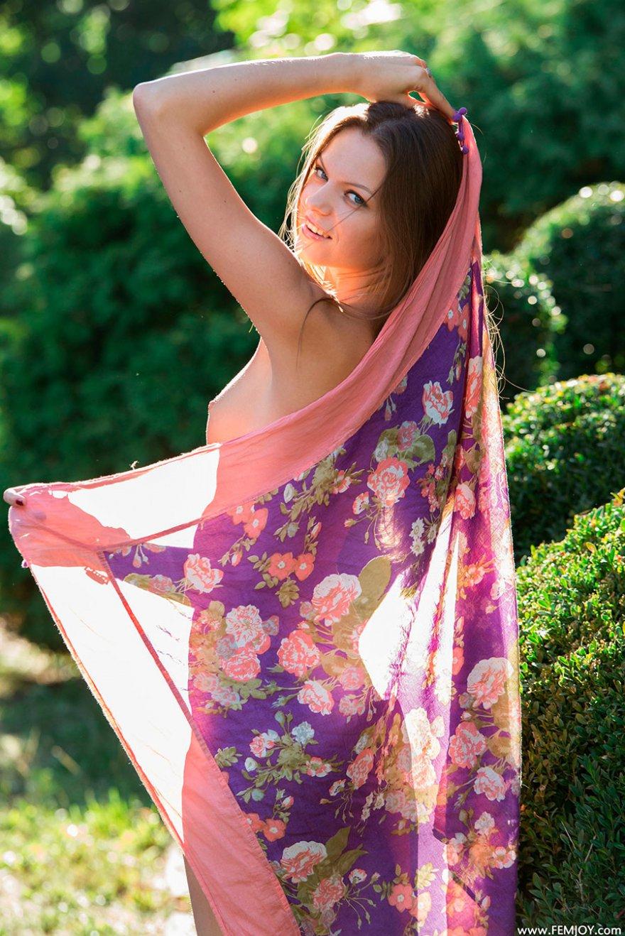 Секс фото бабы с цветным платком