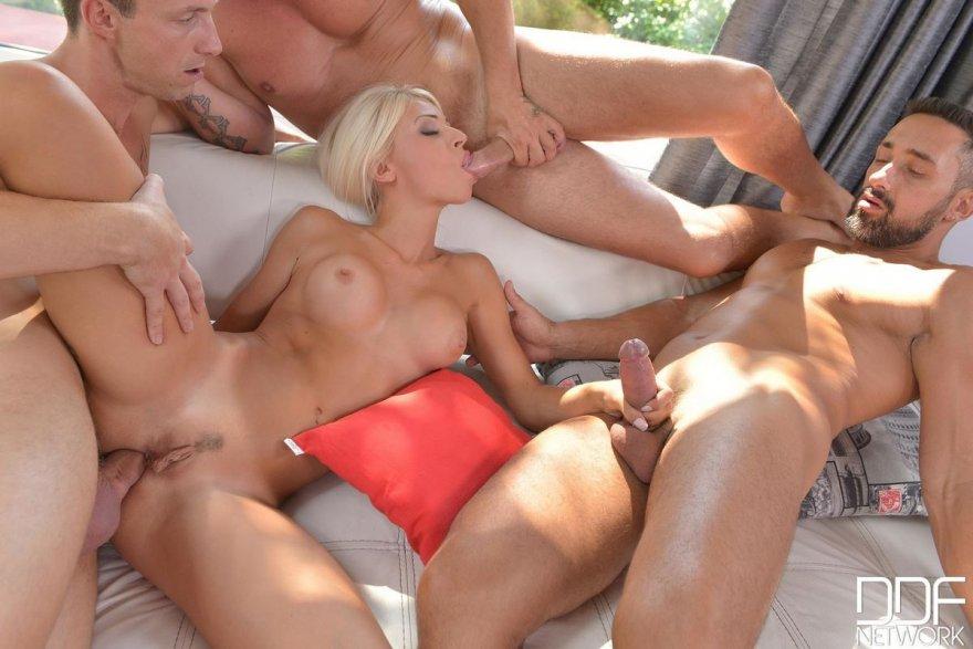 Pretty nude women softcore movies