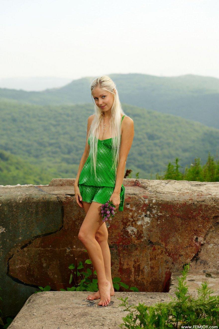 Порно в зеленом платьи