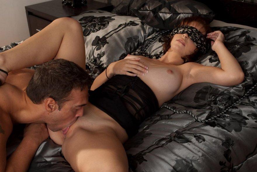 эротические игры закрытыми глазами