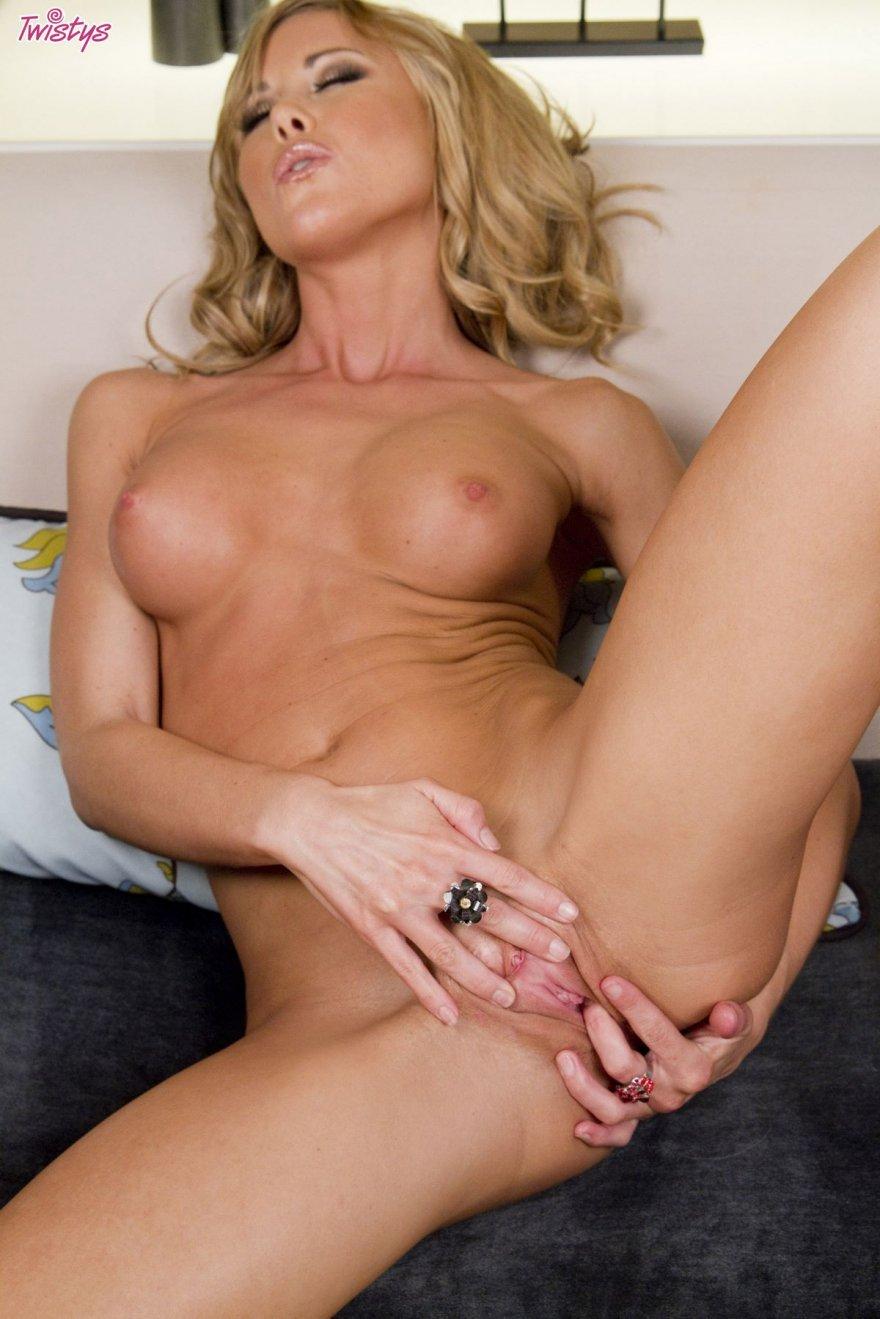 Блондинка в леопардовом белье